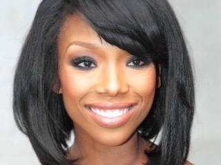 Brandy splits from fiance