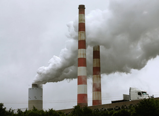 Gov's office creating plan to cut greenhouse gas