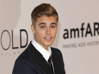 Justin Bieber plays convict in Selena Gomez's...