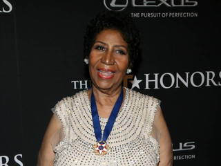 Aretha Franklin storms out of fast food joint
