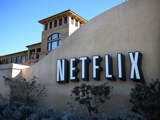 Netflix gambles with AT&T agreement