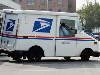 2 postal employees investigated for mail theft