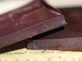 Eating dark chocolate might decrease cancer risk
