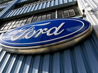 Ford recalls 38K vans to fix air bag issue