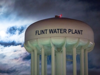 Officials warned of water, Legionnaires' link