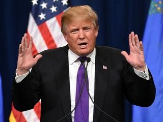 Trump blames earpiece for comments on David Duke