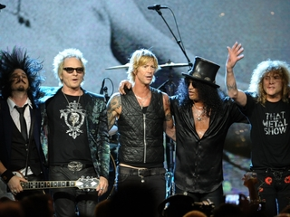 Guns N' Roses reunite for surprise show