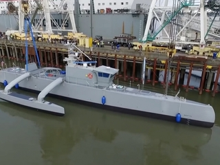 Meet the Navy's delf-driving warship