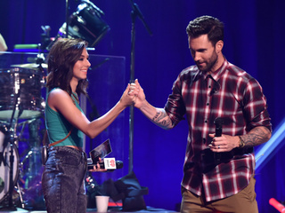 Levine offers to pay Grimmie's funeral expenses