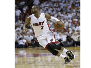 Nuggets going after Wade with $52-million offer