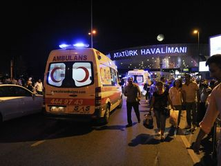 Explosions rock Istanbul airport