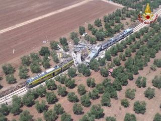 At least 20 dead in train collision in Italy