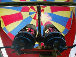 Hot air balloon carrying at least 16 crashes