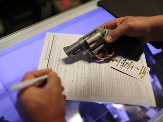 A look at US gun sales and background checks