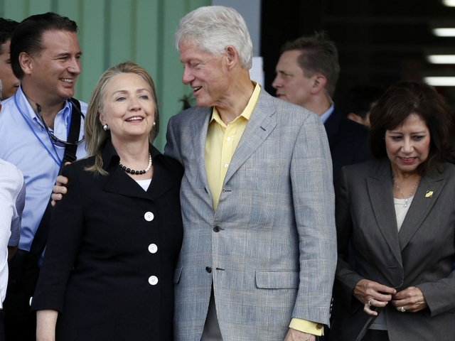 No sign of Clintons 'cashing in' on Haitian relief efforts