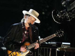 Bob Dylan finally acknowledges Nobel Prize award