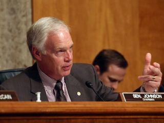 Sen. Ron Johnson wants to impeach Clinton