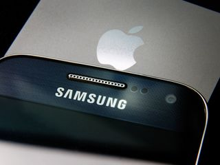 Samsung scores big win in Apple patent battle