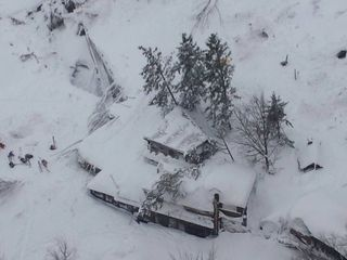 Many missing after avalanche buries Italy hotel