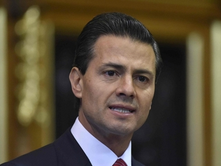 Mexican president vows to protect immigrants