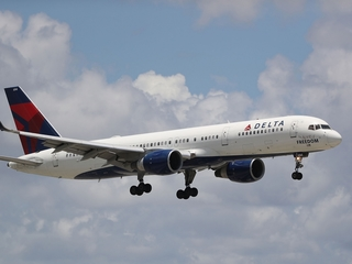Delta Air Lines brings back free meals