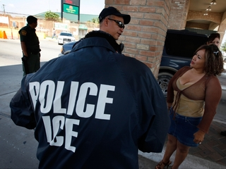 Bill aims to ban ICE agents from posing as cops