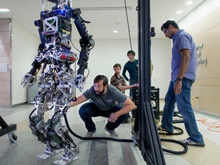 How robots and humans can peacefully coexist