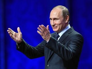 Trump mulls ending Russia's hacking punishment