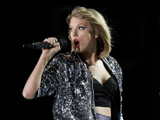 Taylor Swift shakes off feud with Spotify