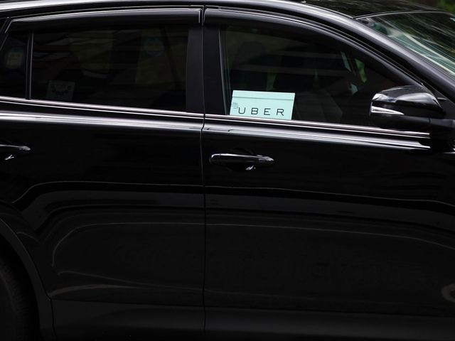 Nigerians partner-drivers sign-up to Uber