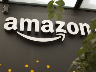Amazon is getting into the online clothes market