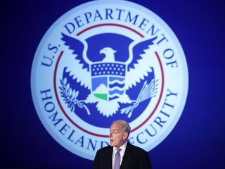 DHS threatens laptop ban on all foreign flights