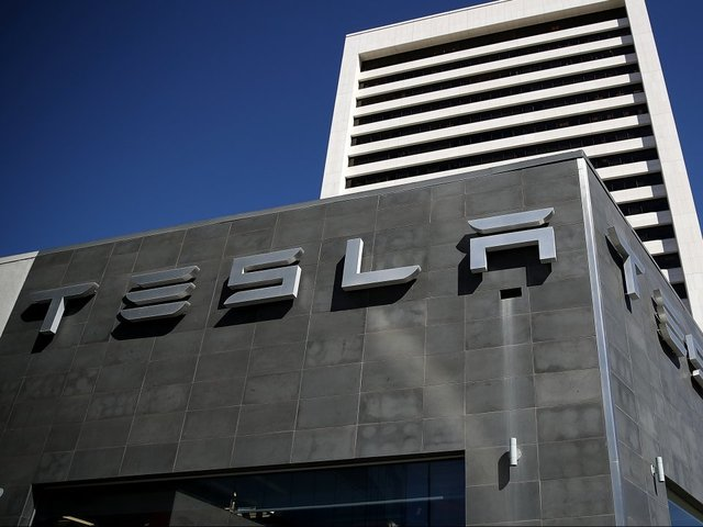 Tesla to reveal electric truck next month
