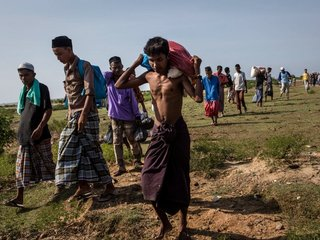 Violence halts UN's Myanmar food aid program