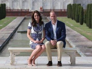 Royal family says William and Kate expecting