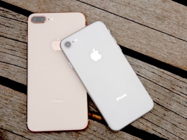Apple's iPhone 8 And iPhone 8 Plus Gets Unboxed