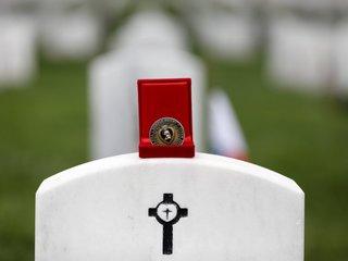 Myth: Honoring fallen with coins at Arlington