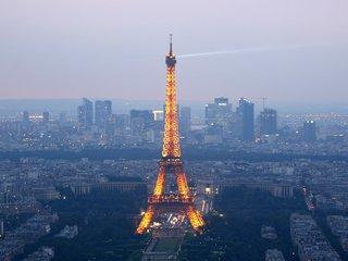 Paris sets timeline to end diesel-powered cars