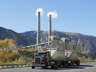 Many coal plants close or switch to natural gas