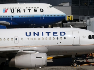 United responds after teens barred from flight