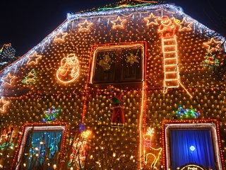 Energy-efficient holiday decorating tips