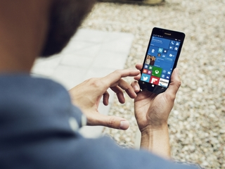 Why Microsoft should hang up Windows phone