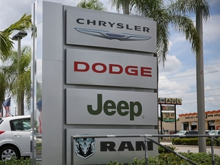 More than 500,000 Jeep, Dodge SUVs recalled