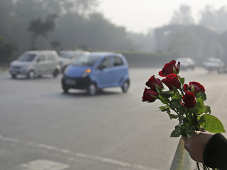India limiting cars for 2 weeks to clean air