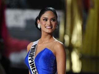Miss Universe would rather not share her crown