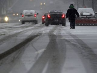 Winter storm threatens to shut down East Coast