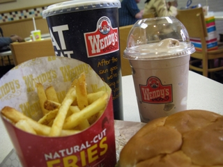 Wendy's reports possible credit card breaches