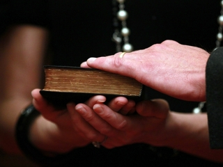 Controversial Tenn. Bible bill moves to governor