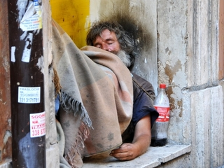 Stealing food OK for needy in Italy