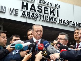 Istanbul car bomb kills 11